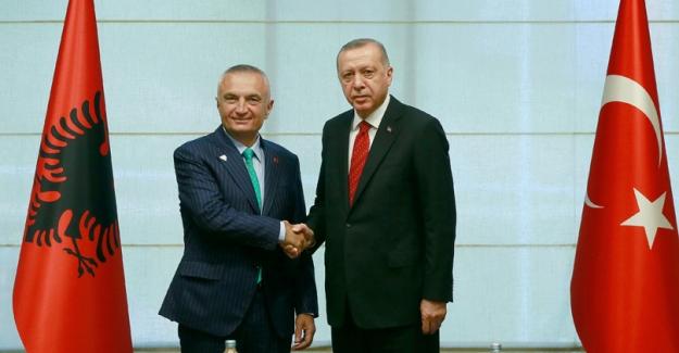 Cumhurbaşkanı Erdoğan, Arnavutluk Cumhurbaşkanı Meta İle Görüştü