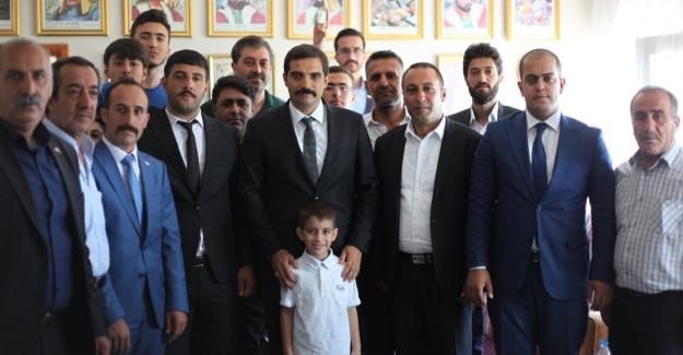 """Ülkü Ocakları Başkanı Ateş'ten Gençlere Mesaj:  """"Bin Yıllık Kardeşliğimiz Var"""""""