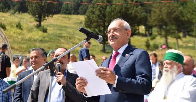 Kılıçdaroğlu, Anravutluk'ta Bektaşiler Tarafından Düzenlenen Etkinliklere Katıldı