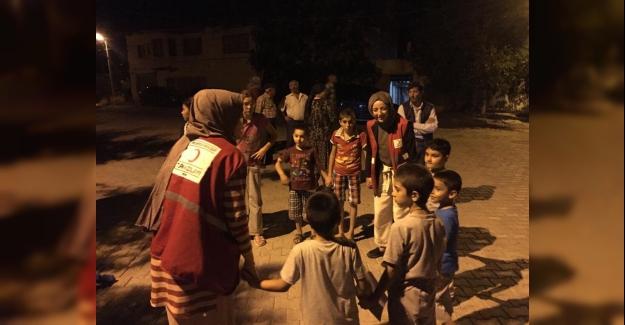 Türk Kızılay Deprem Sonrası Denizli Halkının Yaralarını Sarıyor