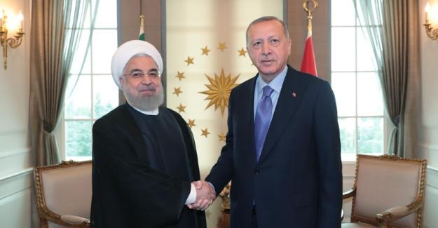 Cumhurbaşkanı Erdoğan, İran Cumhurbaşkanı Ruhani İle Bir Araya Geldi