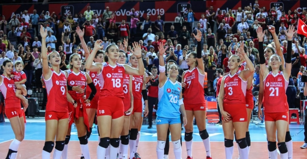 Filenin Sultanları Avrupa Voleybol Şampiyonası'nda Çeyrek Finalde