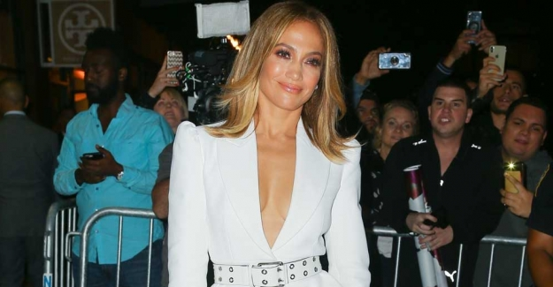 Jennifer Lopez Michael Kors Collection Takımı İle Göz Doldurdu
