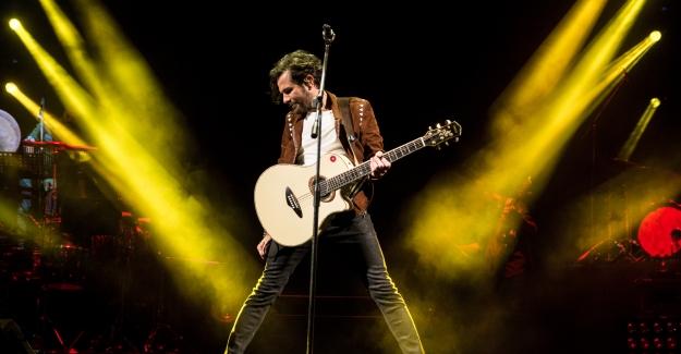 Kenan Doğulu Açıkhava Konserlerine Hız Kesmeden Devam Ediyor