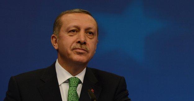 Cumhurbaşkanı Erdoğan'dan Beşiktaş Başkanı Seçilen Çebi'ye Tebrik Mesajı