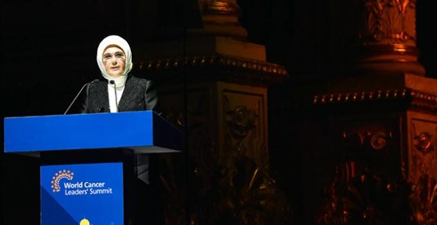 """Emine Erdoğan, """"Dünya Kanser Liderleri Zirvesi"""" Ödül Törenine Katıldı"""