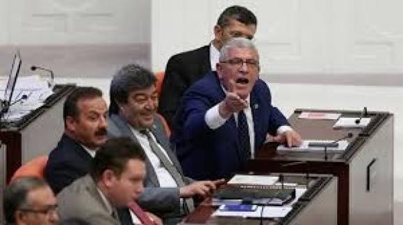 'İYİ Partinin Depremle İlgili Araştırma Önergesi AK Partinin Ret, MHP'nin Çekimser Oylarıyla Reddedildi''