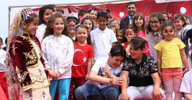 Kuşadası Belediye Başkanı Ömer Günel'den Çocuklara Müjde!