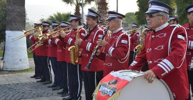 Kuşadası'nda Muhtarlar Günü Törenle Kutlandı