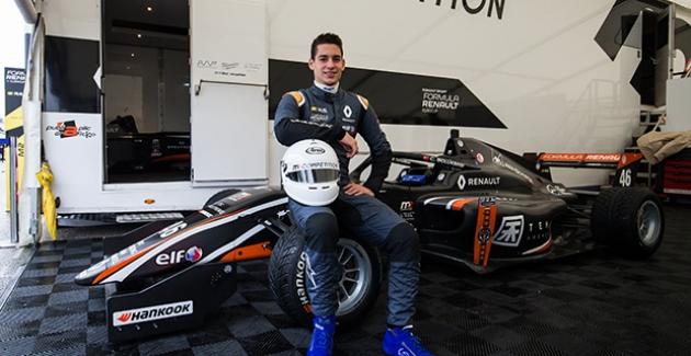 F1 Espor Pilotu Manken Oldu