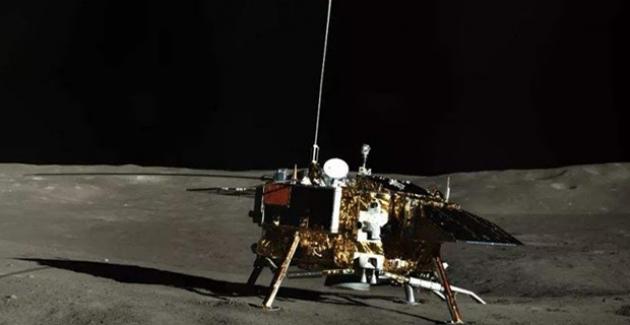 Ay'da Görev Yapan Chang'e Ve Yutu Uykudan Uyandı!