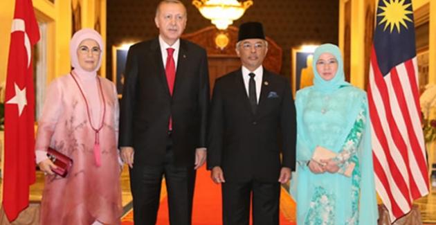 Cumhurbaşkanı Erdoğan, Malezya Kralı Sultan Abdullah İle Görüştü