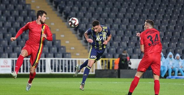 Fenerbahçe Tur İçin Avantaj Sağladı