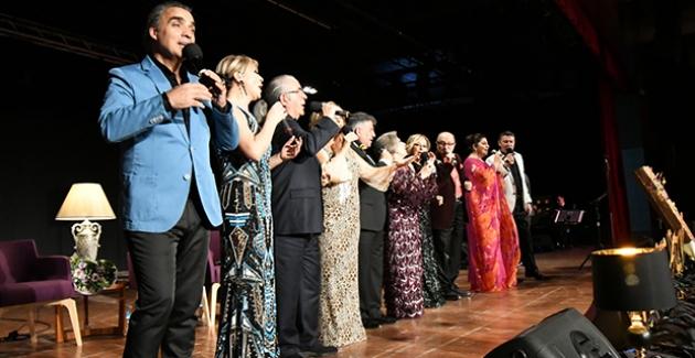 Türk Sanat Müziği'nin Ünlü İsimleri Bu Kez Eğitim İçin Söyledi
