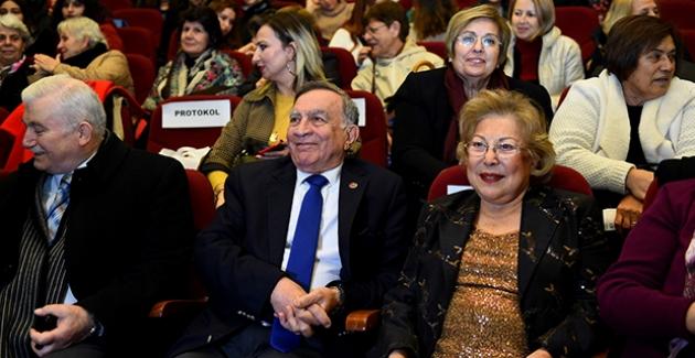 """Başkan Akay, """"Kadınlarla Yaşamın Her Alanında Yan Yanayız"""""""