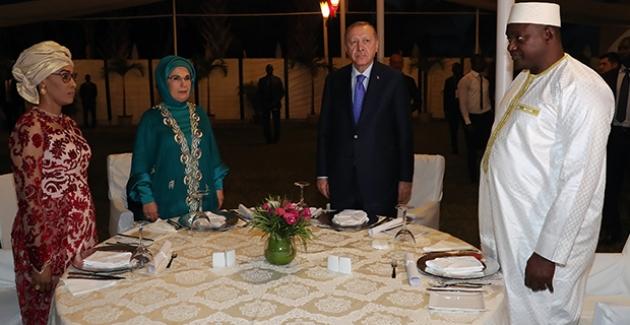 Cumhurbaşkanı Erdoğan, Gambiya Cumhurbaşkanı Barrow Tarafından Onuruna Verilen Yemeğe Katıldı