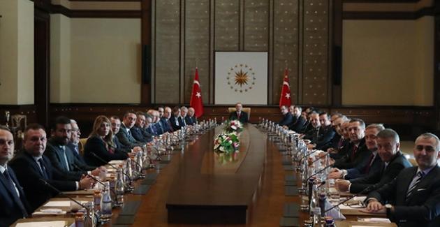Cumhurbaşkanı Erdoğan, Kulüpler Birliği Başkanı Sepil Ve Komisyon Üyelerini Kabul Etti