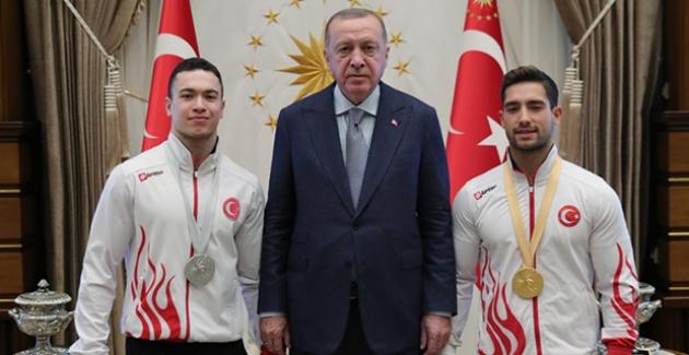Cumhurbaşkanı Erdoğan, Millî Jimnastikçileri Kabul Etti