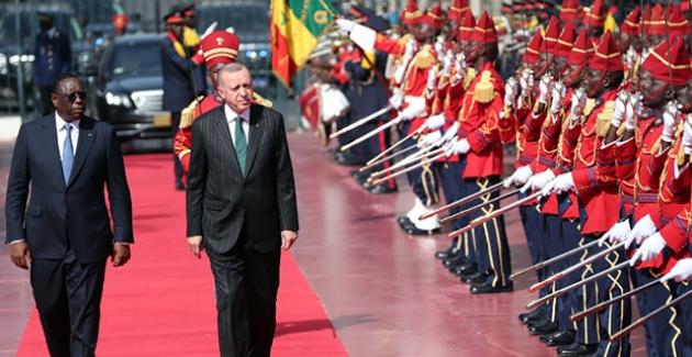 Cumhurbaşkanı Erdoğan, Senegal Cumhurbaşkanlığı Sarayında