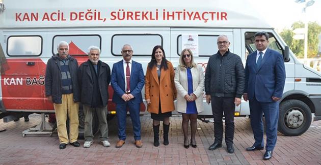 Kuşadası'nda Lösemi Hastası Mehmet Öğretmen İçin Seferberlik