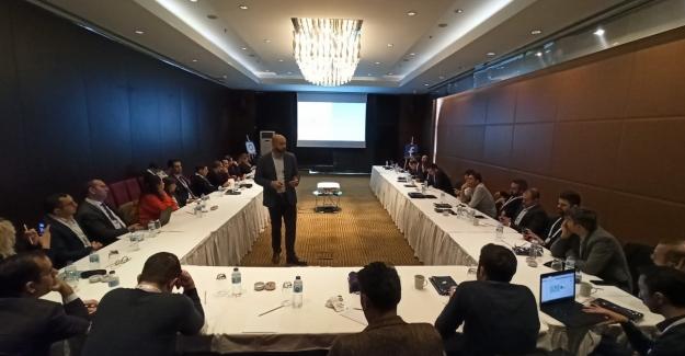 Facebook'dan, Ankara'da Kamu Kurumlarına Facebook Ve Instagram Eğitimi