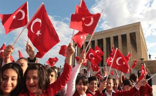 """Milli Eğitim Bakanı Selçuk'tan 23 Nisan Paylaşımı: """"Bayram Bizimdir"""""""