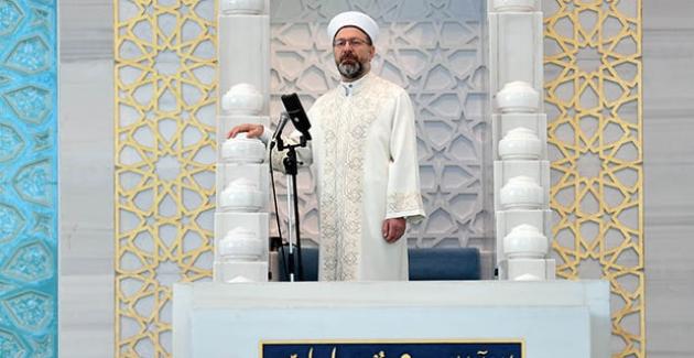 Diyanet İşleri Başkanı Erbaş, Ahmet Hamdi Akseki Camii'nde Bayram Hutbesi İrad Etti