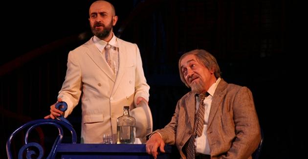 İBB Şehir Tiyatroları Değerli Sanatçısı Sükan Kahraman'ı Kaybetmenin Üzüntüsünü Yaşıyor