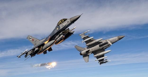 Irak'ın Kuzeyindeki Hakurk Bölgesine Hava Harekatı: 3 Terörist Etkisiz Hale Getirildi