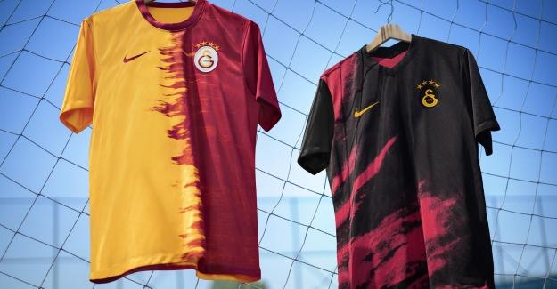 Galatasaray Yeni Sezonda Giyeceği İç Saha Ve Deplasman Formalarını Tanıttı