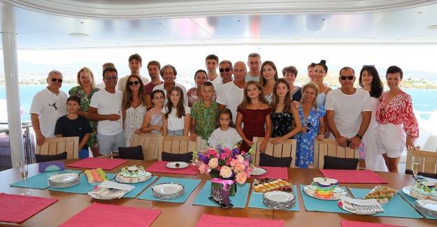 Caresse Bodrum Ukrayna'nın En Etkili İşadamı Oleksandr Yaroslavsky'nin Kızının Doğum Gününde İş Dünyası Buluştu