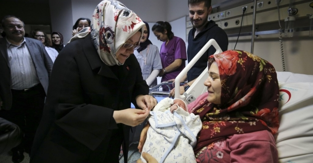 Bakan Selçuk: Yarın İtibariyle 83 Bin Annemize 36,7 Milyon TL Doğum Yardımı Yapacağız