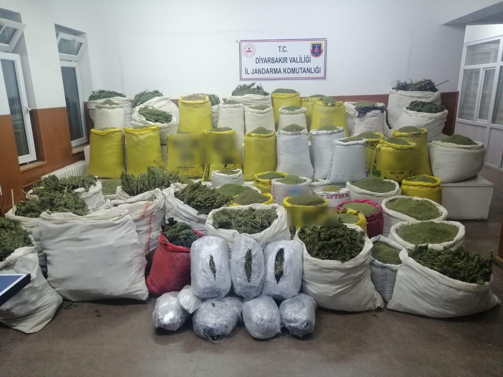 Diyarbakır'da 1 Ton 724 Kilogram Esrar Maddesi Ele Geçirildi