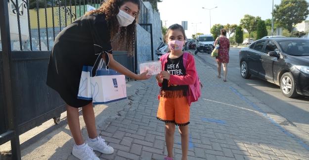 Kuşadası'ndaki Okulların Maske İhtiyacı Yıl Boyunca Kuşadası Belediyesi'nden