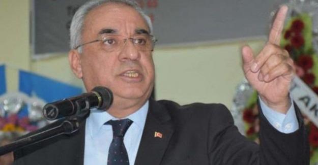 """Aksakal'dan Arınç'ın İstifası Üzerine Açıklama:  """"Türkiye Bağırsaklarını Temizliyor."""""""