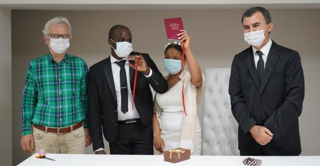 Haitili Çift Lüleburgaz'da Evlendi