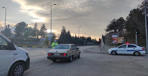 Ankara'da Sokağa Çıkma Yasağını İhlal Edenlere Toplam 3 Milyon 215 Bin 298 Lira Para Cezası