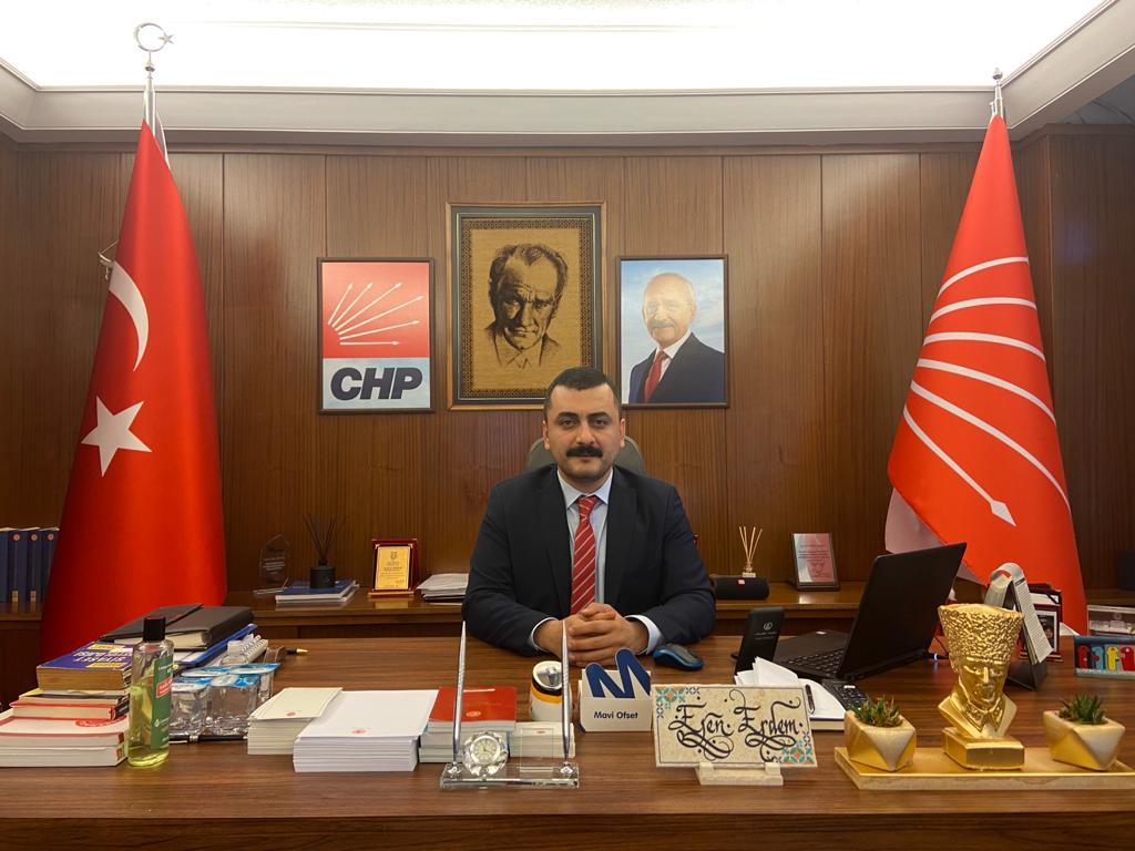 """CHP'li Erdem: """"Bu Kavga Taht, Saray Kavgasıdır"""""""