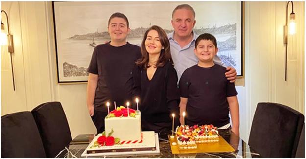 Fulya Hacısüleymanoğlu Yeni Yaşını Ailesiyle Kutladı...
