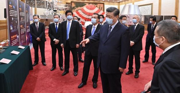 Cumhurbaşkanı Xi Jinping, Chang'e-5 Ekibiyle Bir Araya Geldi
