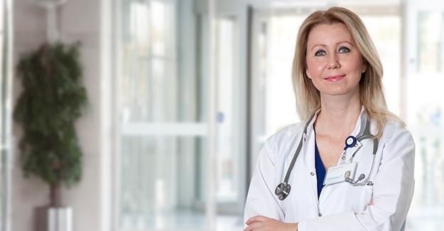 """Göğüs Hastalıkları Uzmanı Dr. Esra Sönmez: """"Alerji Belirtileri COVID-19 İle Karışabilir"""""""