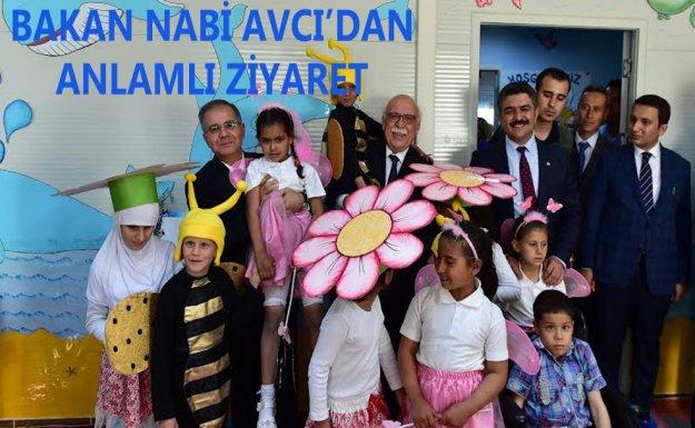Bakan Avcı, Kilis'te Geçici Eğitim Merkezini Ziyaret Etti