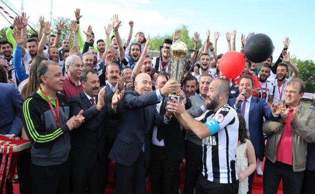 Etimesgut Belediyespor Şampiyonluk Kupasını Aldı