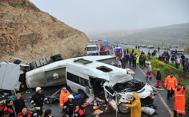 Şanlıurfa'daki trafik kazası: 13 ölü, 7 yaralı