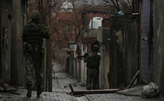 Sur'da terör saldırısı: 1 polis şehit