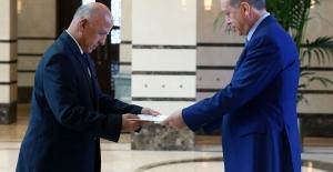 Cumhurbaşkanı Erdoğan Tacikistan Büyükelçisi Rajabiyon ile Görüştü