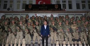 Başbakan Yıldırım: Savunmada Değil Taarruzda Olacağız