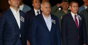 Başbakan Yıldırım Van'da Şehit Cenazesine Katıldı