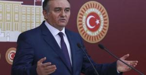 MHP'li Akçay: Meclis Tamir Edilsin Müze Dışarıda Kurulsun