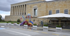 TSK Açıkladı: Anıtkabir'deki Portatif Oyun Alanı Kaldırılacak 